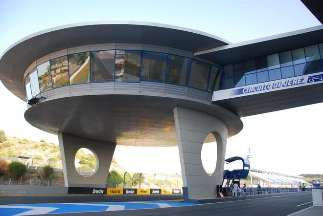 Circuito Jerez : Dsm escuela de conducción te lleva a rodar al circuito